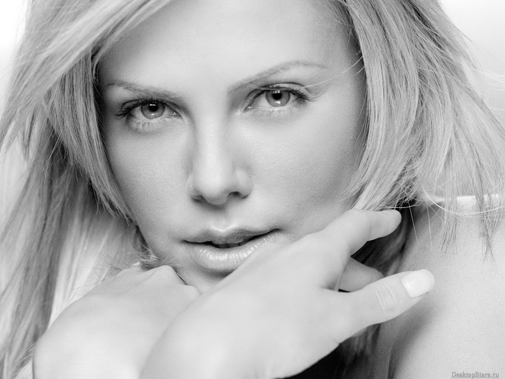 Charlize Theron - Wallpaper Gallery