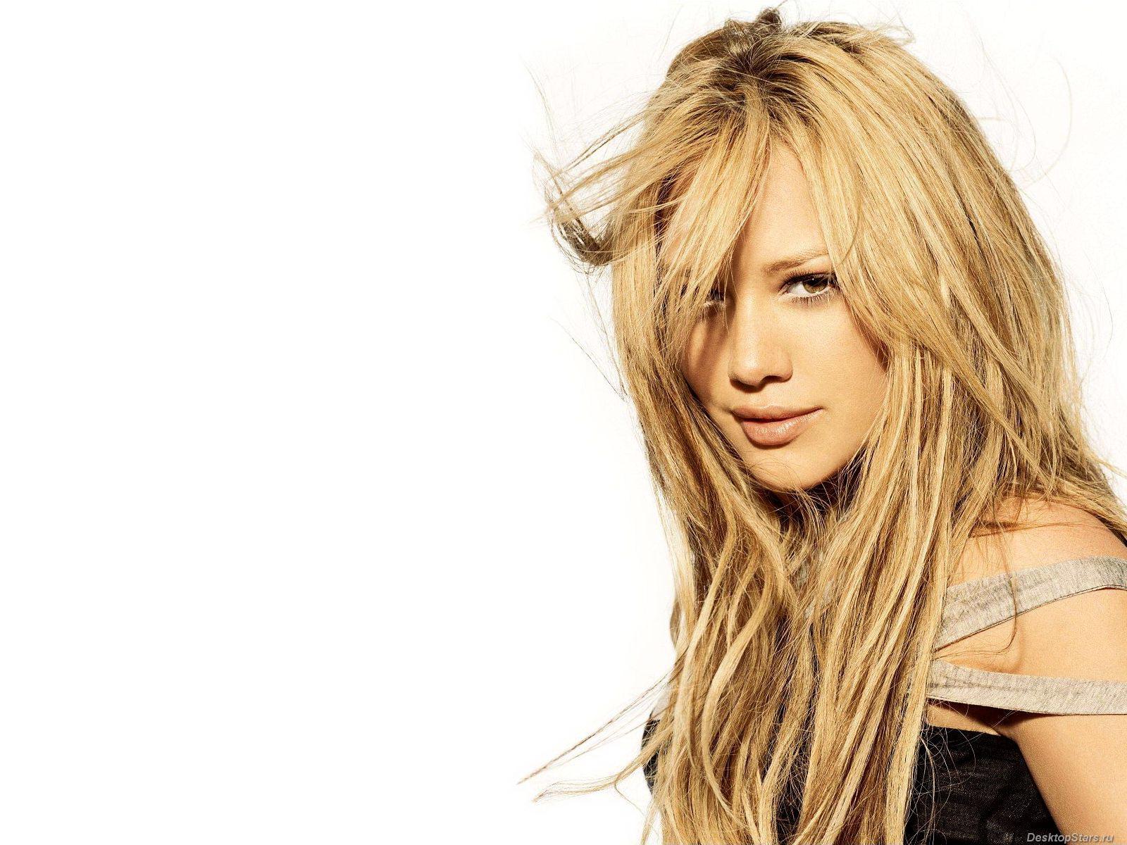 Hilary Duff Hilary-Duff-1600x1200-001